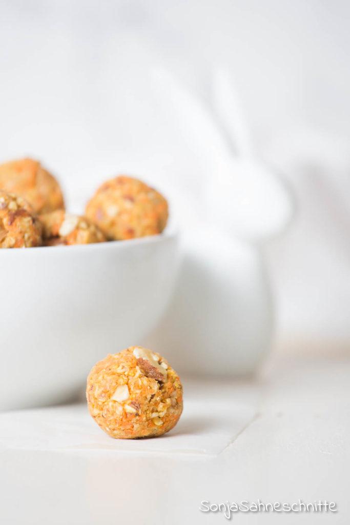 süß, saftig und lecker, egal ob als Energy Balls oder als Cookies. Hier solltet ihr nicht nur zu Ostern zugreifen. Warum ihr sonst noch zuschlagen solltet, erfahrt ihr auf dem Blog.