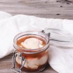 schnelles Zwetschegen Dessert im Glas mit Quark und Kokos -ohne Zucker