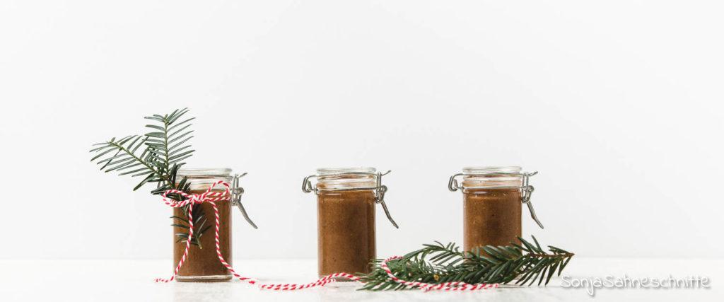 Gesunden Spekulatius-Creme - ein super last minute Geschenk aus der Küche für Weihnachten und die Adventszeit. Die Zubereitung ist super einfach und schnell gemacht und ihr braucht nicht viele Zutaten.   |Süße Sachen selber machen | Sonjasahneschnitte #sonjasahneschnitte #spekulatius #spekulatiuscreme #gesund #cleaneating #süßesachenselbermachen #weihnachten