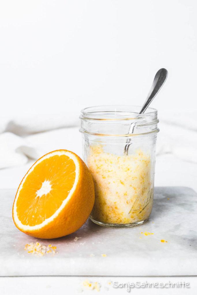 2 Zutaten Geschenk aus der Küche: ORangenzucker- einfach und schnell gemacht und mit vielen Anwendungsmöglichkeiten.