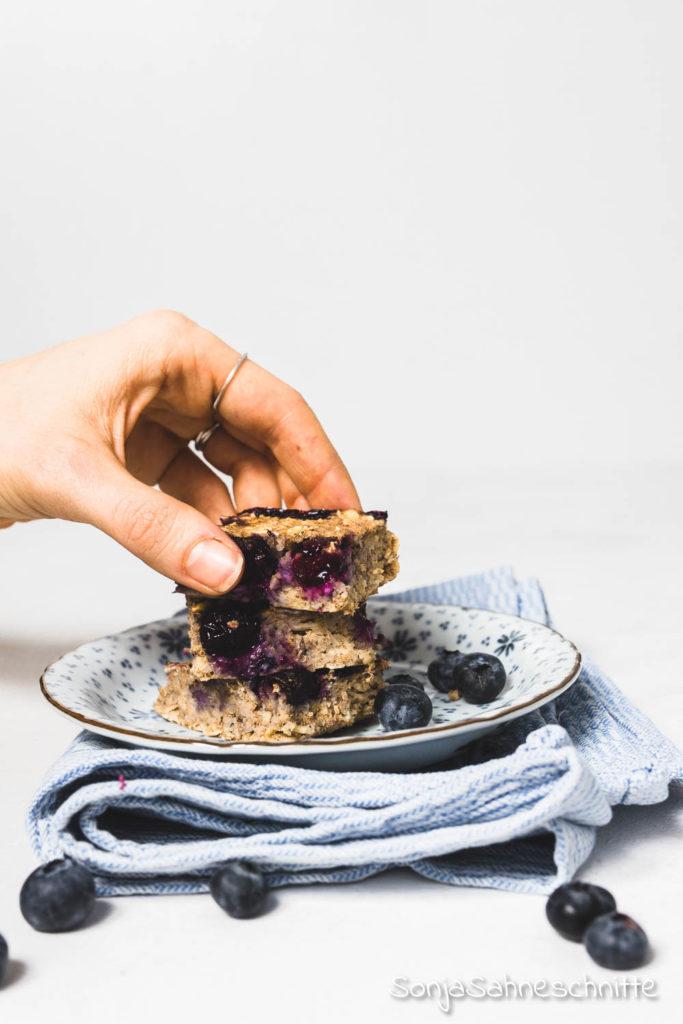 2020-01-04-gebackene-haferflocken-mit-beeren-und-bananen-Blueberry-baked-oatlmeal_4.jpg