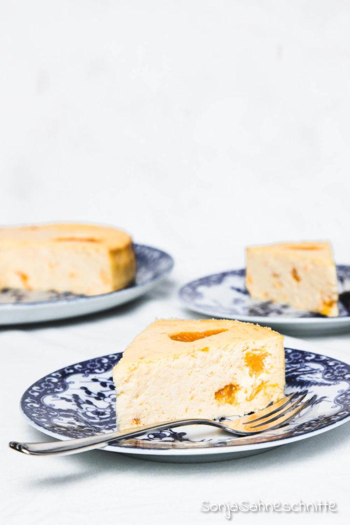 Käsekuchen mit Mandarinen und ohne Boden: einfach, saftig, lecker und schnell gebacken! Dass musst du probieren!  #sonjasahneschnitte #backen #kuchen #rezept #obst