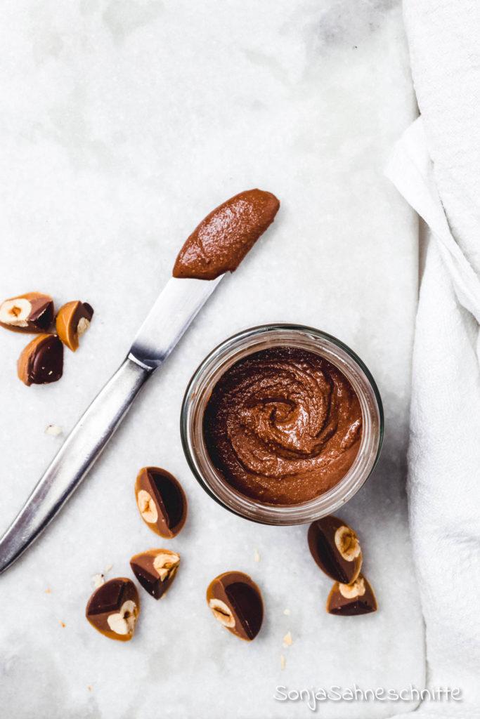 Toffitella ohne Thermomix: das musst du probieren! Ein süßer Brotaufstrich und das perfekte Geschenk aus der Küche wenn es schnell gehen muss. #sonjasahneschnitte